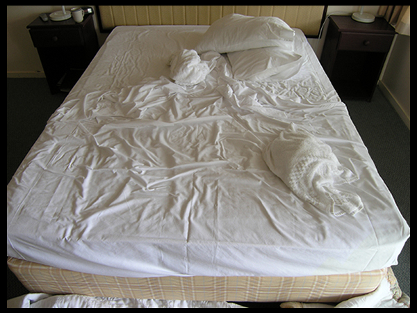 Does your bed look like it hasn't been made in weeks?
