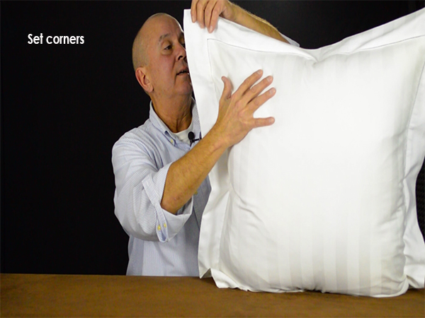 Set to corners of the pillow sham flanges